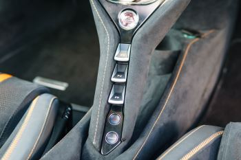 McLaren 720S V8 2dr SSG PERFORMANCE image 46 thumbnail
